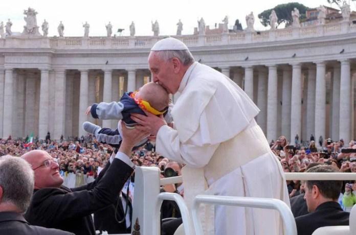Un bambino e il papa 2