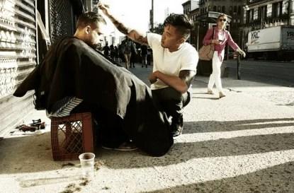 parrucchiere e homeless