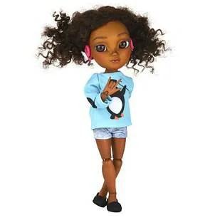 bambola con auricolari per sentire