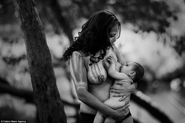 donna allatta