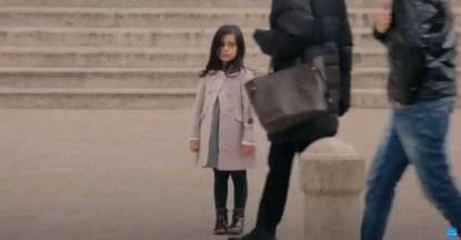 bambina di 6 anni sola
