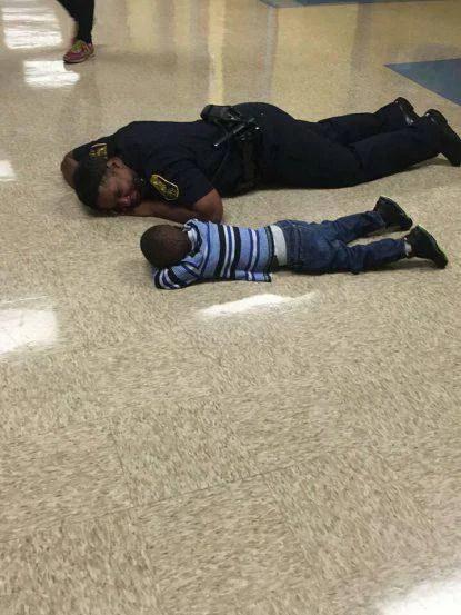 poliziotto gentile
