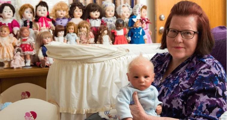 """""""La bambola con le fattezze di mio figlio mi ha aiutato"""": racconta una mamma"""