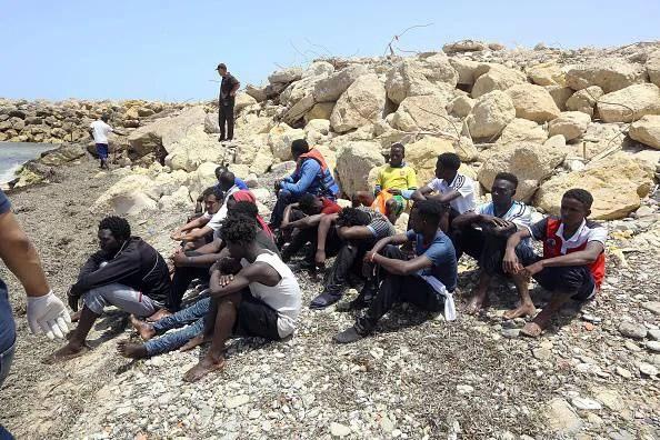 Nuovo naufragio in Libia, 114 dispersi