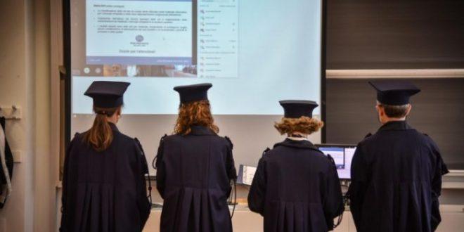 La Camera dice sì all'iscrizione contemporanea a diverse università. Ecco tutti i dettagli e le considerazioni