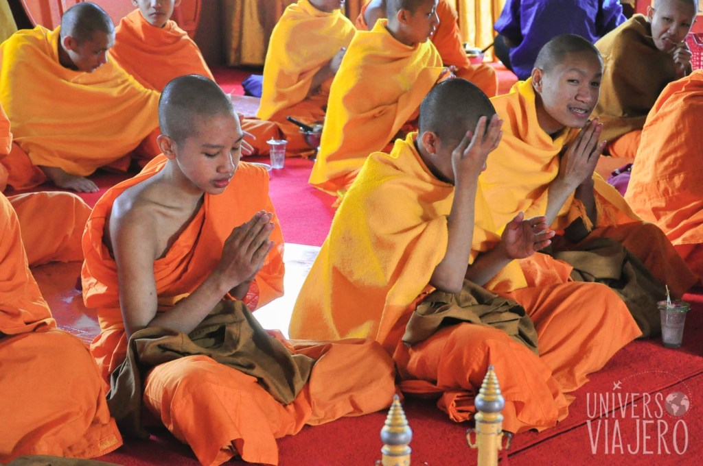 Students and Buddhist monks - Chiang Mai - Thailand