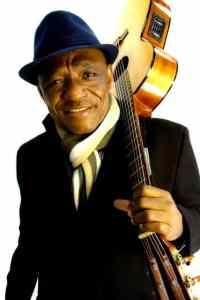 Dino Vangu, guitariste congolais