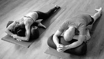 yin yoga and the practice of stillness  discover what yin