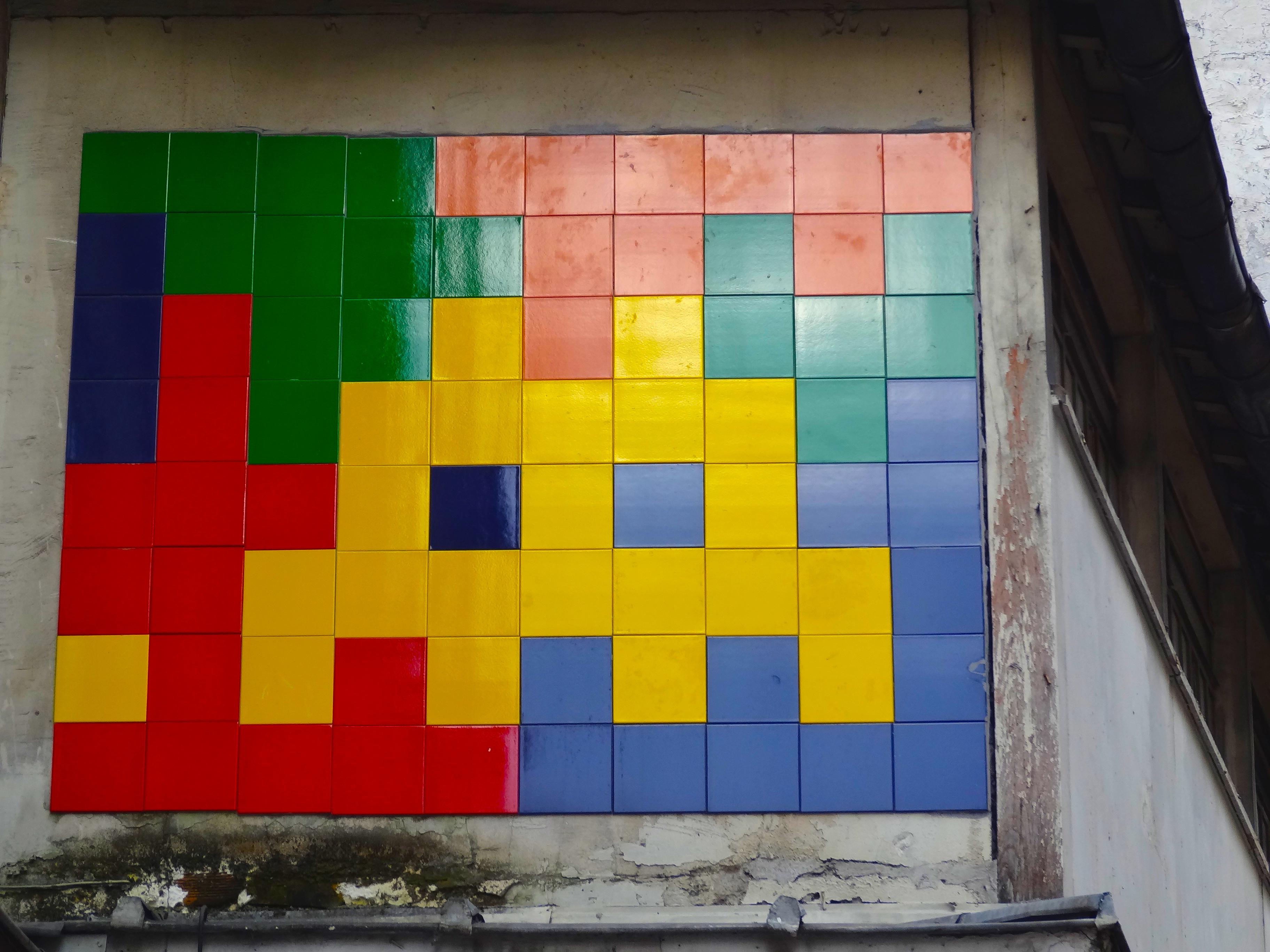 Street Art In Paris Streets Un Jour De Plus Paris