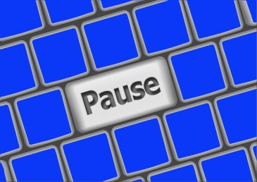communicate effectively - pause