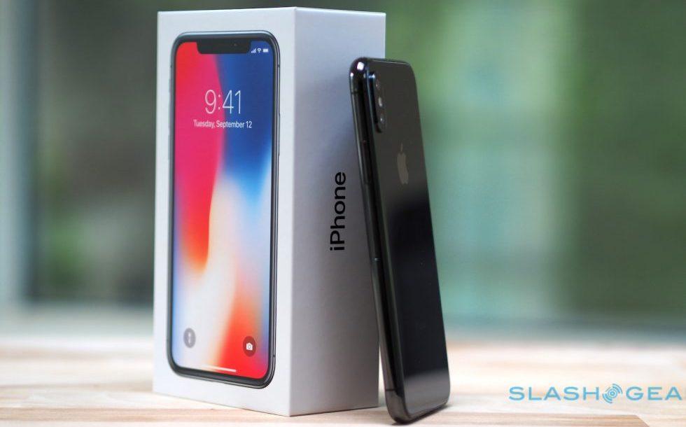 apple iphone x space gray 12 980x620 980x610 - آبل تتفوق علي منافسيها وتحقق الصدارة بأربعة جوالات في قائمة الاكثر مبيعاً