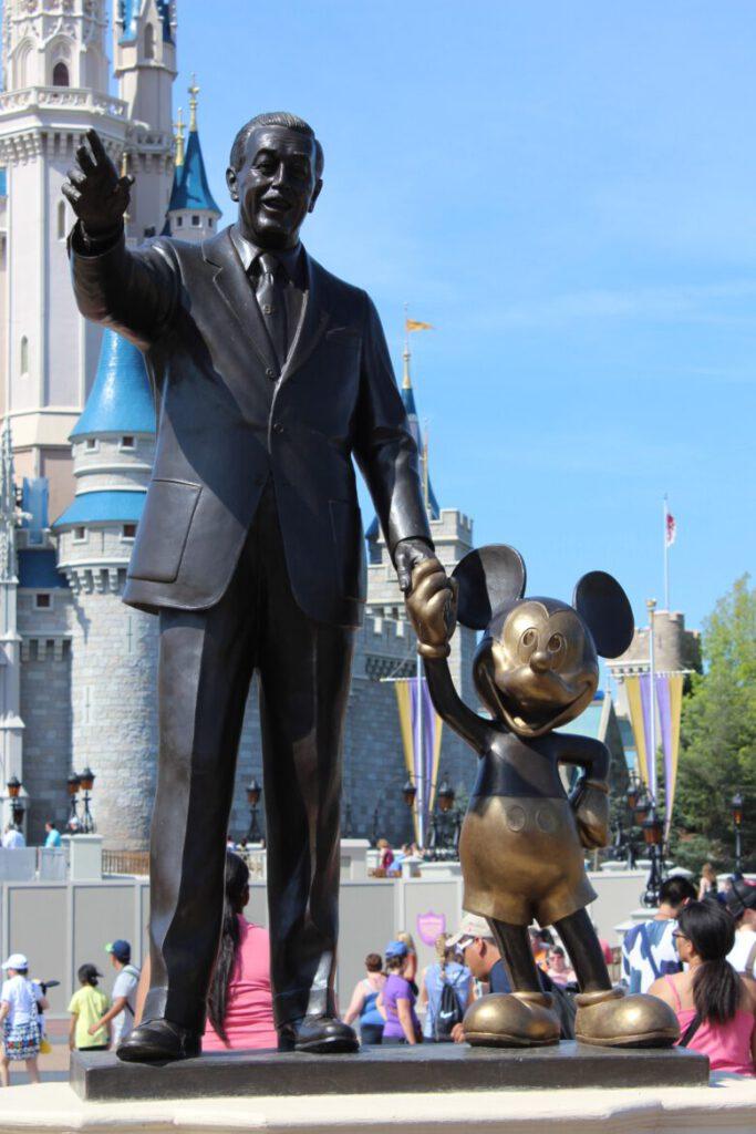 immaginazione e creatività = Walt Disney