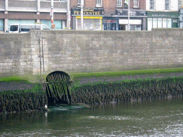 Desembocadura del río Poddle en el Liffey