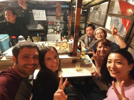 En un yatai de Fukuoka, con Yoko