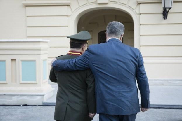 Степан Полторак звільнився із військової служби - фото 1