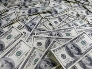 Переказ коштів заробітчан з-за кордону у цьому році буде понад 9 млрд доларів – НБУ