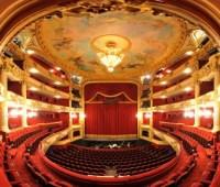 В театрах за три года число зрителей выросло более чем на 10%