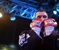 Кличко пообещал провести бой Усика в Киеве и назвал оптимальный вес для Украинской