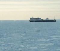 Итальянский паром с 250 пассажирами на борту сломался в открытом море