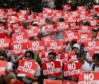 Гонконг отложил рассмотрение закона об экстрадиции после протестов