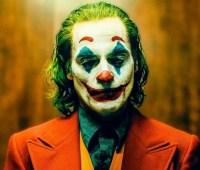 """Режиссер """"Джокера"""" опубликовал сразу шесть тизеров фильма"""