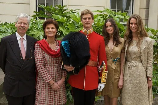 Princess Margaretha with her husband, daughters and younger son, 2010. photo: www.royaltyonline.blogspot.com