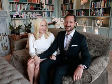 Crown Prince Haakon and Crown Princess Mette-Marit at Skaugum. source: The Royal House of Norway