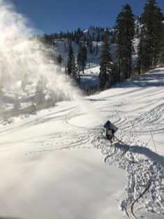 Snowmaking at the bottom of Nick's Run (Photo: Oznorts)