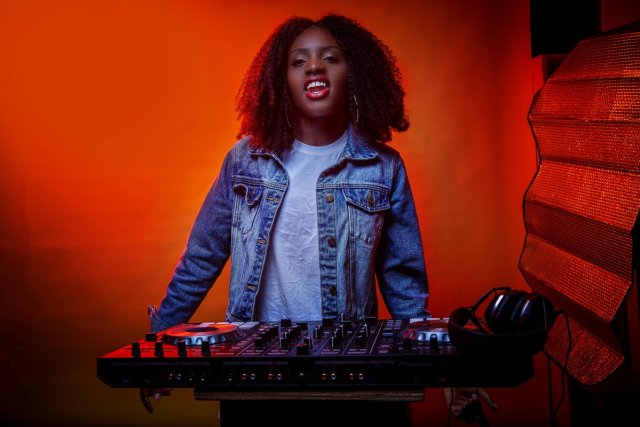 DJ Akuaa music