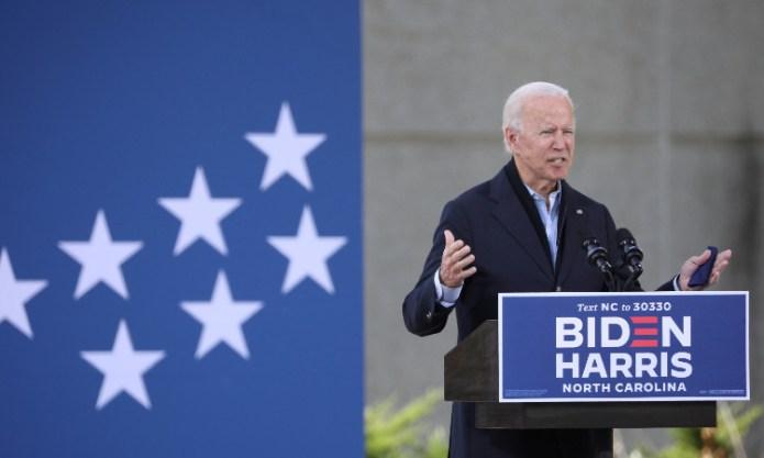 Biden ataca a Trump durante mitin en Carolina del Norte