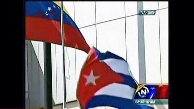 Se cae la Bandera de Cuba a la llegada de Castro