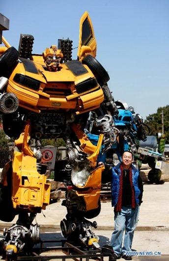 Mr-Iron-Robot-transformers-theme-park-unpocogeek.com