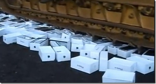 Destruction of Counterfeit iPhones in Russia - hqgeek.com