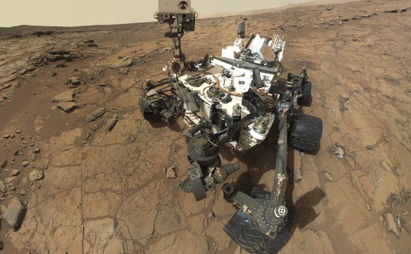 Vista en 360 del explorador Curiosity en Marte