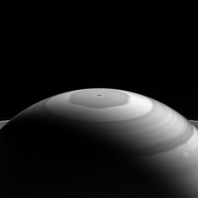 Polo norte de Saturno, fotografía de Cassini