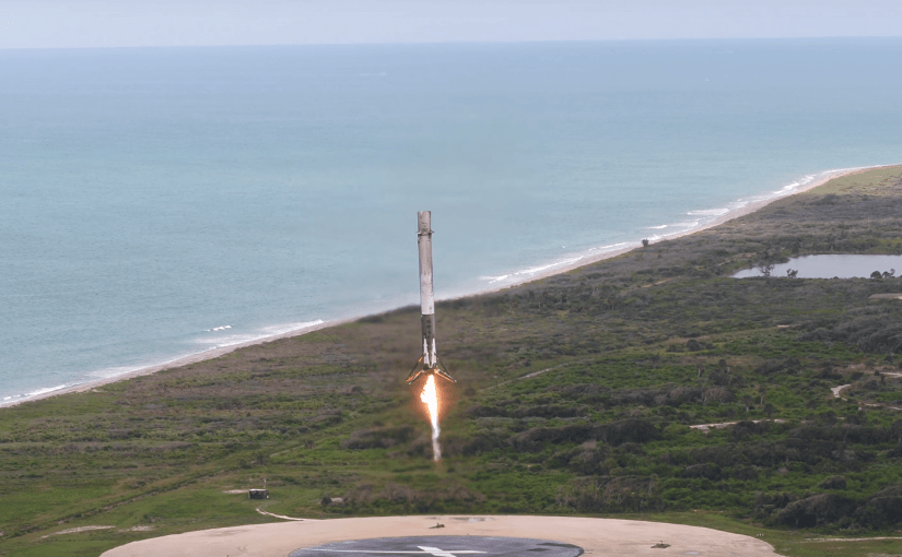Así aterriza el cohete Falcon 9 de SpaceX luego de una exitosa misión de reabastecimiento con una capsula Dragon reutilizada