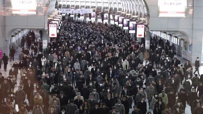 Shinagawa, estacion de trenes en hora pico