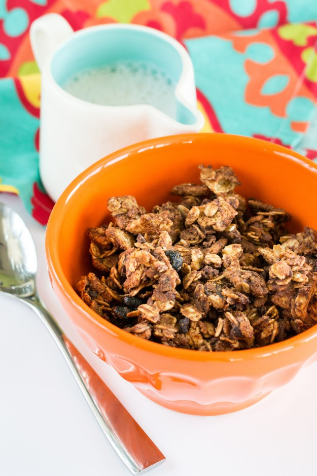 Oil-free Gluten-free Almond Butter Choco-Berry Crunch Cereal by An Unrefined Vegan