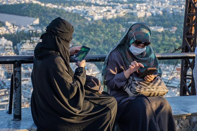 google aproves new Muslem app to report blasphemy violations
