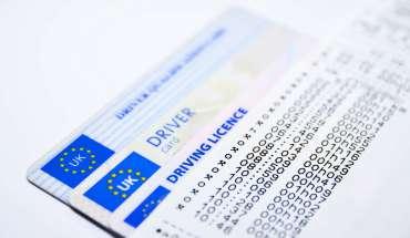 cum schimbi permisul de conducere in cel de uk