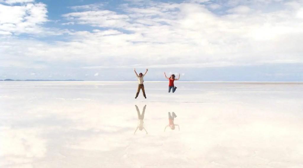 Sauter au Salar d'Uyuni Bolivie