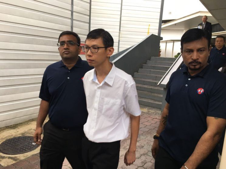 Lim Say Heng, seen outside the States Court on 1st Dec 2016. He was accompanied by representatives from the National Transport Workers' Union (NTWU) (via Yahoo Singapore / Nigel Chin)