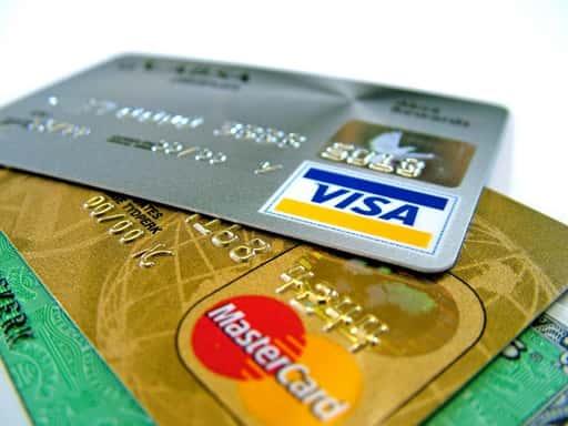 クレジットカードでの入金ができる