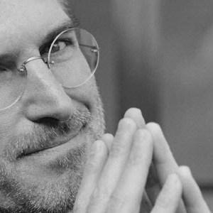 Apple rend hommage à Steve Jobs pour le 1er anniversaire de sa mort