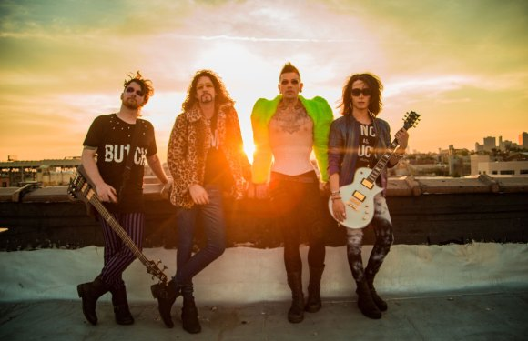 """Echo Black Release Official Music Video for """"Poison Apple"""""""