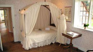 chawton_bedroom_jane_cassy