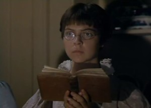 Tessa Pake-Jones è Mary Bennet