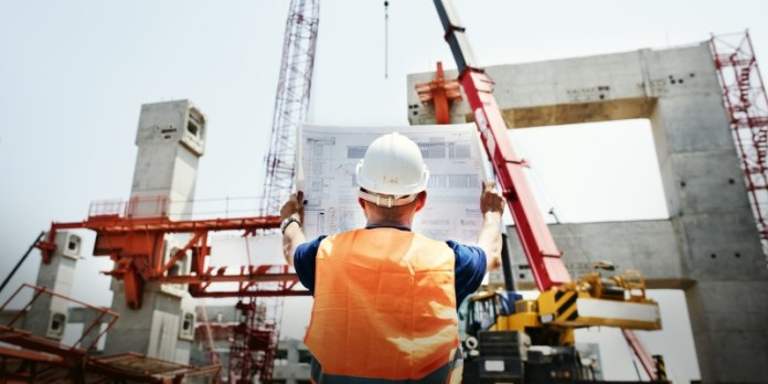 Gute Stimmung: Im Baugewerbe stieg der ifo Geschäftsklimaindex auf den höchsten Stand seit 1991 (© fotolia/Rawpixel.com)