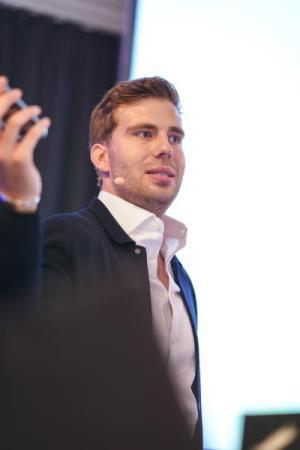 Social Media Marketing-Experte Lucas Hoffmann: Nutzwert statt Werbekampagnen.