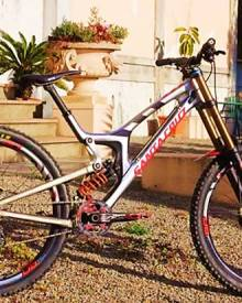 Greg Minnaar is Riding a Prototype Santa Cruz 29er DH Bike